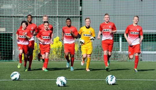 Fussballschule: Pencetak Manusia yang Dapat Bermain Sepakbola