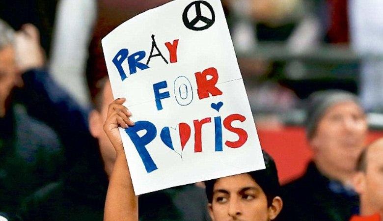 'Je suis Paris' Sebagai Bentuk Penghormatan PSG pada Korban Terorisme Paris