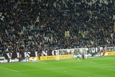 Suasana di dalam stadion