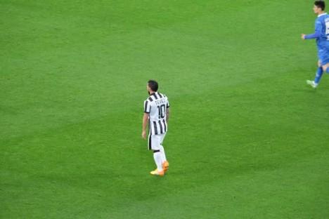 Tevez pada laga melawan Empoli