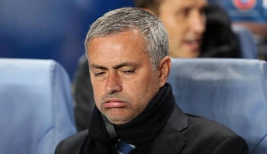Dan Mourinho pun Putus Asa.....