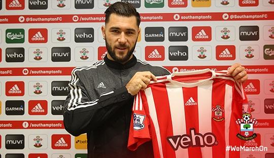 Southampton Resmi Dapatkan Charlie Austin