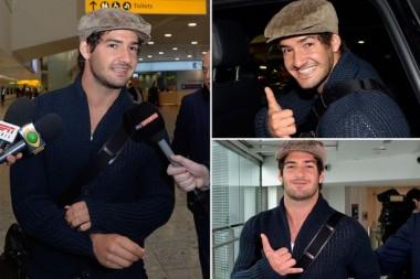 Pato saat tiba di bandara Harrow, London (via: dispute.press)