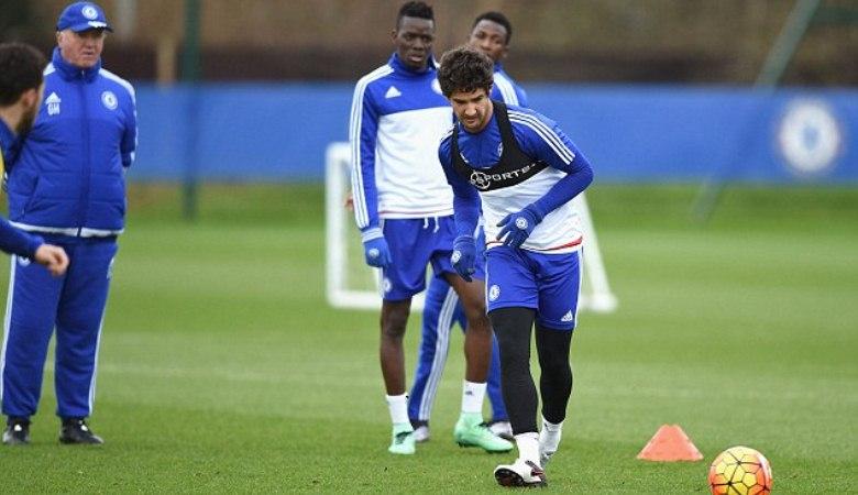 Soal Pato, Chelsea Masih Harus Bersabar
