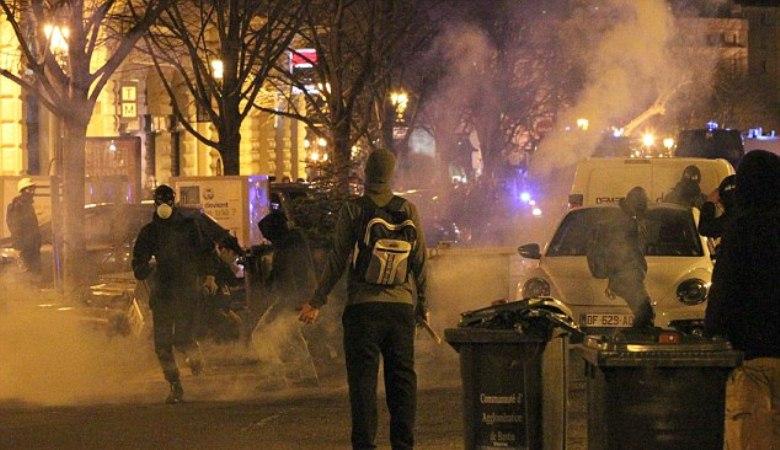 Ultras SC Bastia yang Gemar Bentrok dengan Polisi