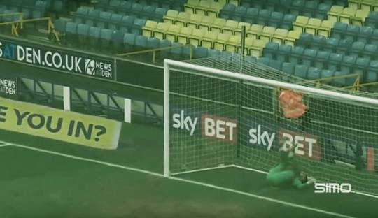 Aksi Akrobatik Kiper Millwall Ini Tuai Pujian