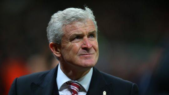 Mark Hughes yang Berharap Louis van Gaal Kembali Disoraki