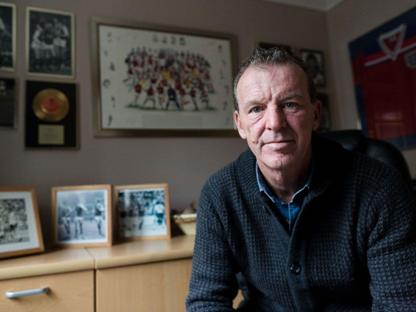 Graham Rix yang mengaku tidak ada yang menawarinya pekerjaan setelah kasus yang ia lakukan di masa lalu