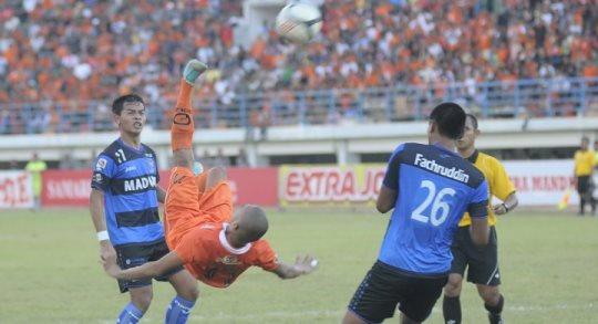Lima Gol Salto Terbaik di Era Liga Super Indonesia