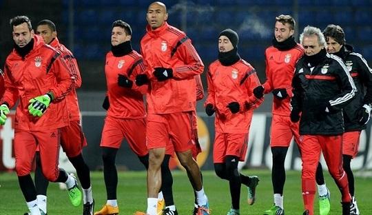 Zenit Melawan Benfica, Adu Taktik Antara Pelatih Portugal