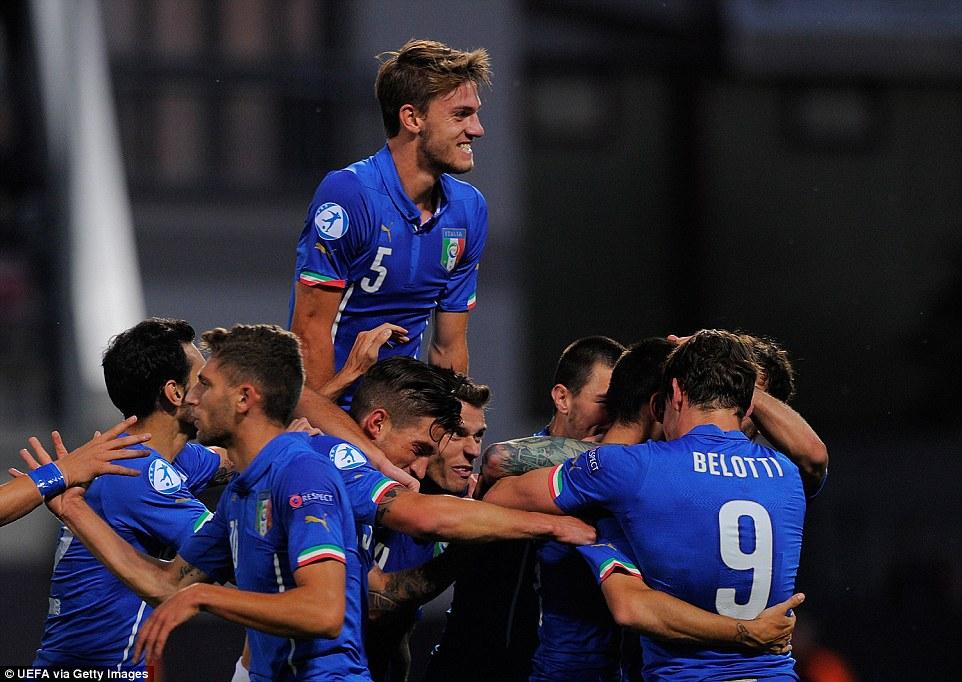 Ketika Daniele Rugani (di atas) masih menjadi pemain andalan Italia U-21