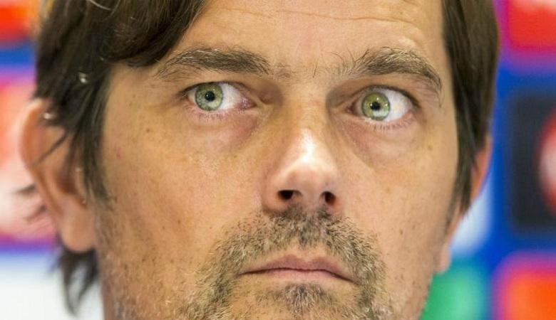 Cocu yakin PSV Masih Miliki Kesempatan untuk Lolos ke Babak Delapan Besar Liga Champions