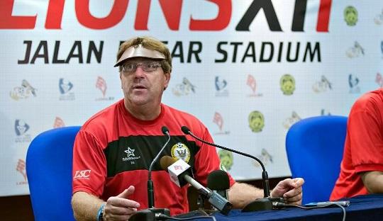 Robert René Alberts dan Harapannya untuk Sepakbola Indonesia