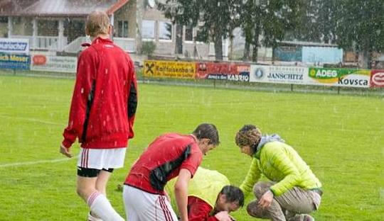 Saat pemain FC Sillian tersambar petir