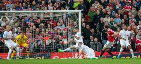 Gol Daley Blind ke gawang Liverpool musim 2015/2016 ini.